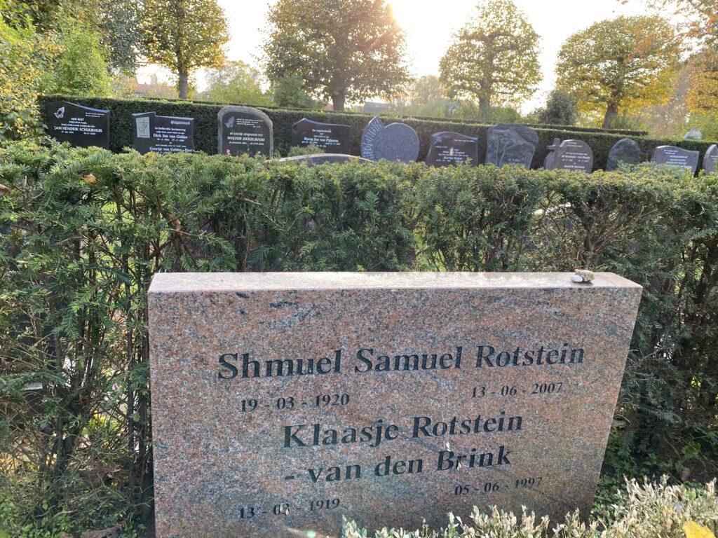Grafsteen van Klazien uit Zalk